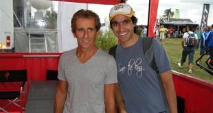 Lucas Couto e Alain Prost no stand da Specialized