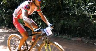 Halysson Henrique Ferreira (Velo SEME Rio Claro) venceu na Elite