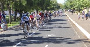 Cerca de 60 ciclistas participaram desta etapa.