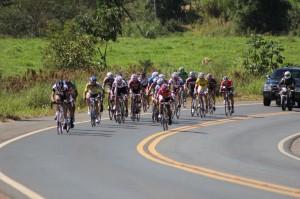 Cerca de 60 atletas participaram da etapa dupla da Copa Cemil de Ciclismo 2014