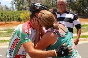 Halysson Ferreira recebe os cumprimentos de seus familiares